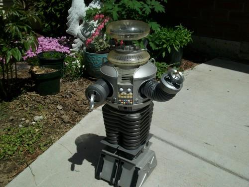 B9 robot 004