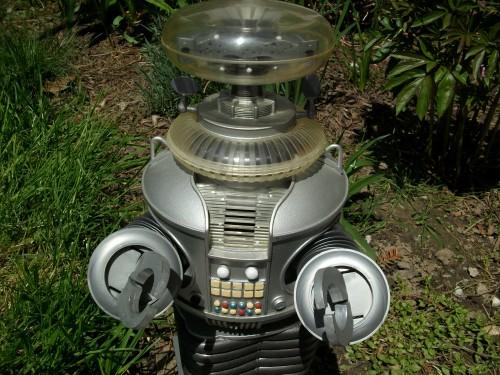 B9 robot 006