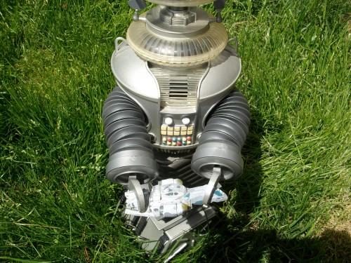 B9 robot 007