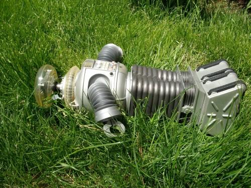 B9 robot 008