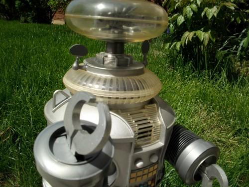 B9 robot 009