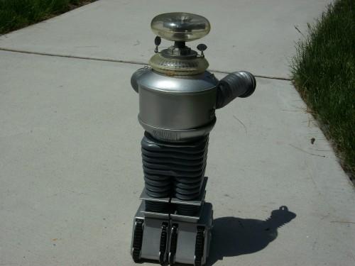 B9 robot 035