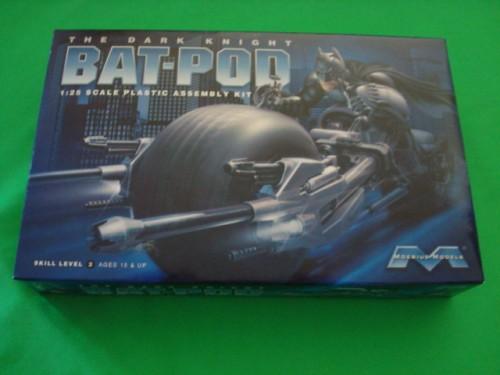 Moebius Bat-Pod 011