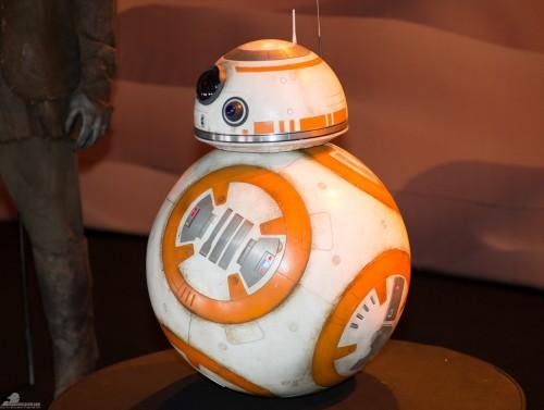 Star-Wars-Celebration-Anaheim-2015-The-Force-Awakens-027