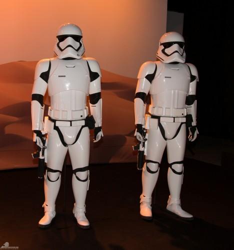 Star-Wars-Celebration-Anaheim-2015-The-Force-Awakens-033