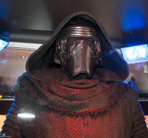 Star-Wars-Celebration-Anaheim-2015-The-Force-Awakens-104