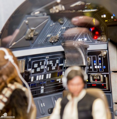 Hot-Toys-Display-2015-San-Diego-Comic-Con-SDCC-078
