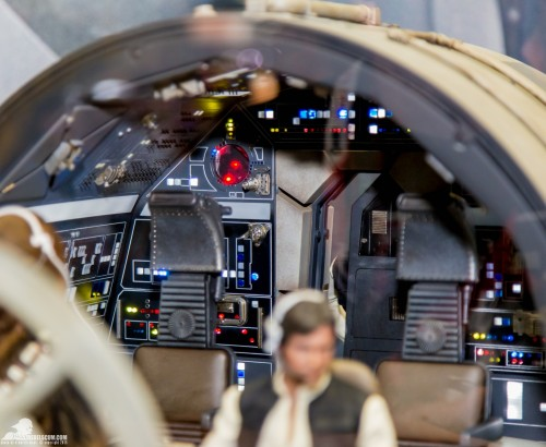Hot-Toys-Display-2015-San-Diego-Comic-Con-SDCC-079