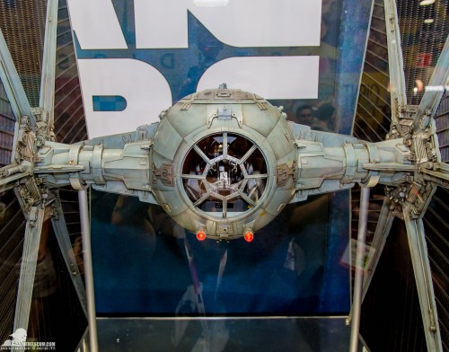 Hot-Toys-Display-2015-San-Diego-Comic-Con-SDCC-088
