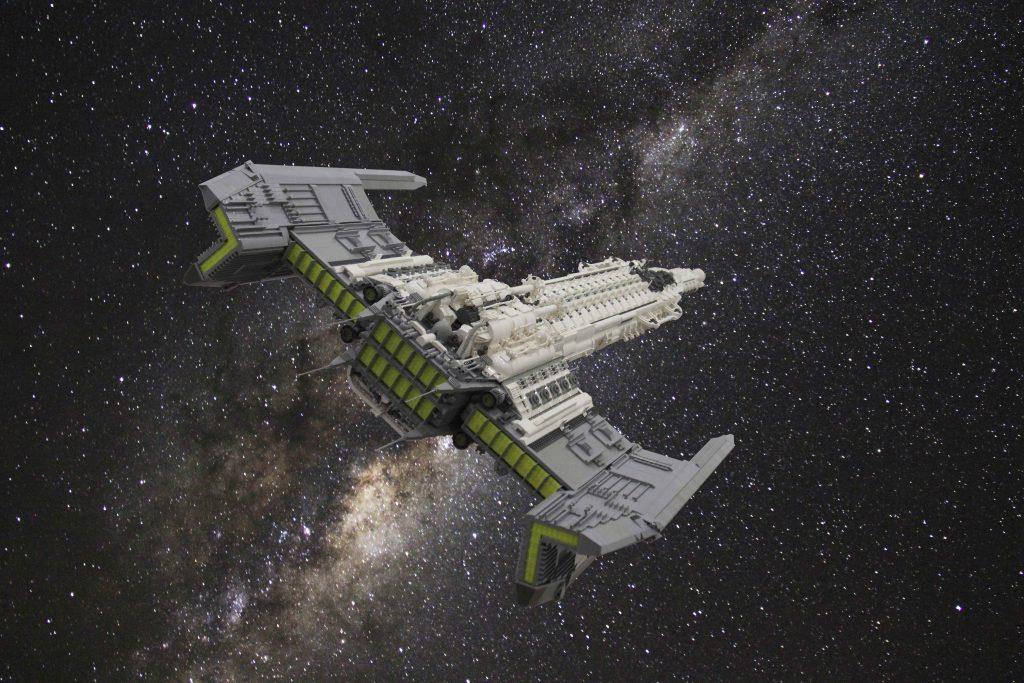 SPACE CRUISER 001